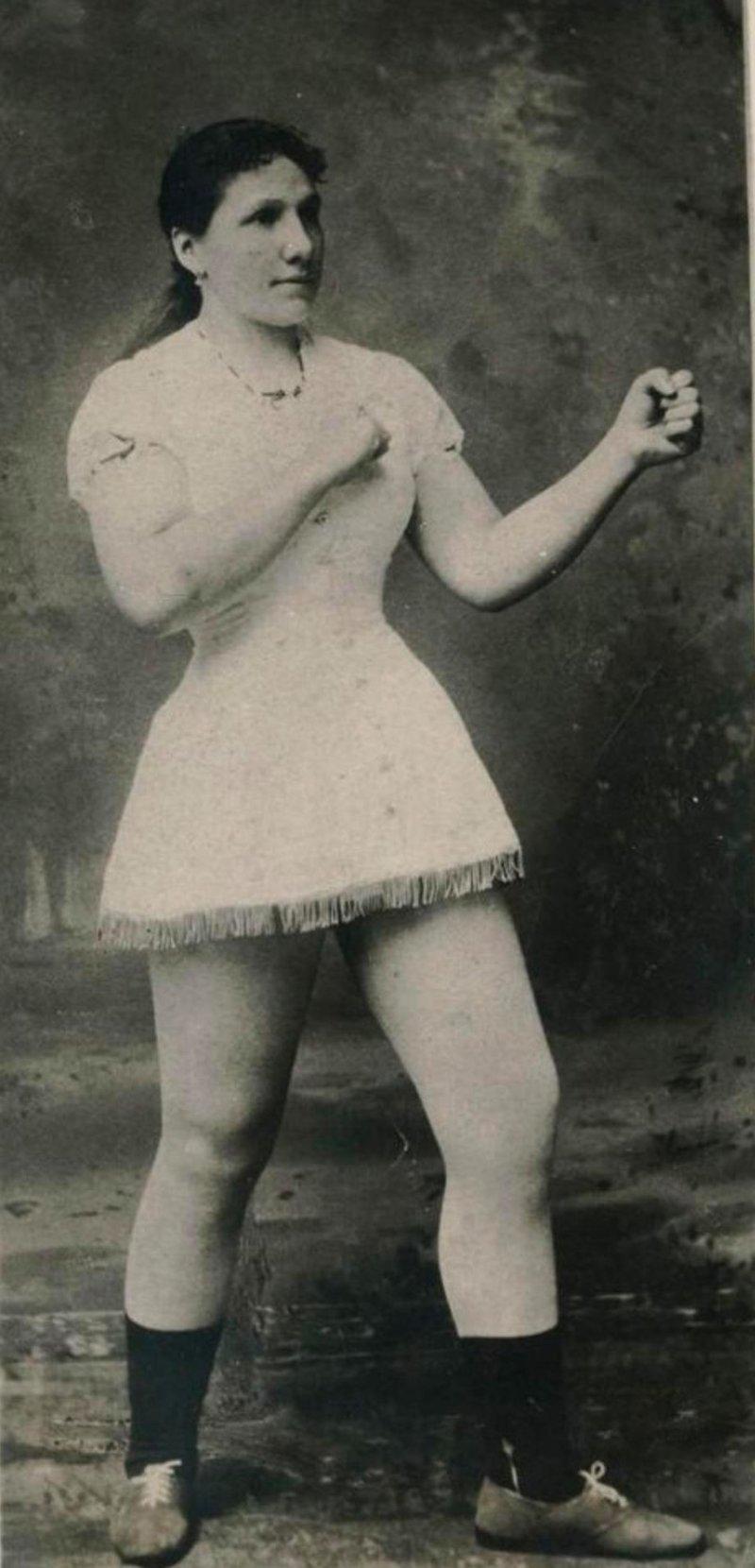 7. Hattie Stewart - чемпионка по боксу 1884 года бокс, женщины боксируют, женщины в спорте, интересно, история, спортсменки, фото