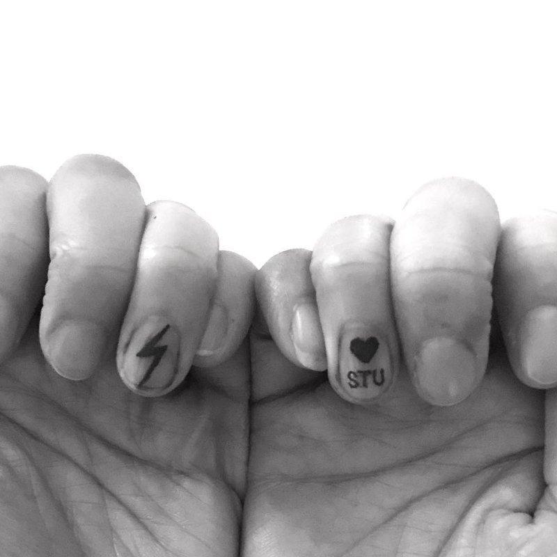 Новый тренд красоты — татуировки на ногтях trend, в мире, люди, ногти, тату, татуировка