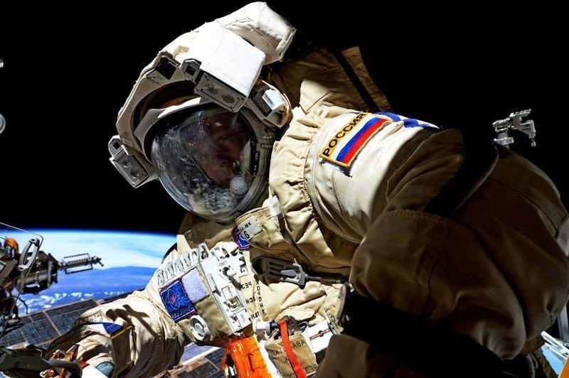 Зарплата у космонавтов зарплата, космонавты, космос