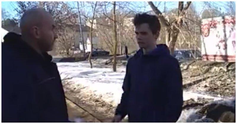 Малолетние изверги  напали на пенсионера средь бела дня Кирово-Чепецк, беспередел, видео, жестокость, избиение, пенсионер, подростки