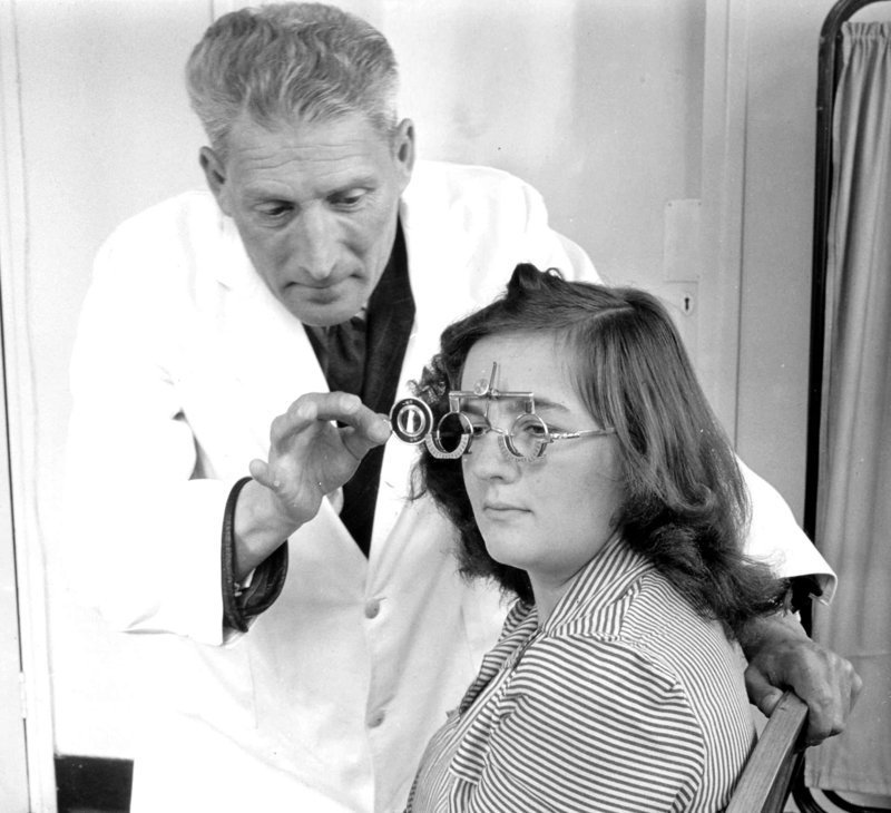 Проверка зрения великобритания, врачи, дата, здравоохранение, медицина, пациенты, старые снимки, старые фото