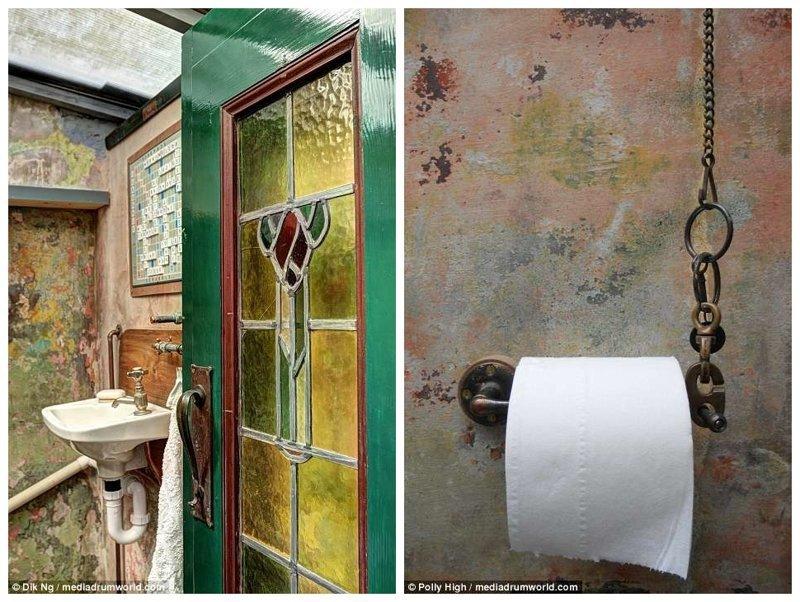 Душ и туалет расположены в отдельной пристройке в саду. Суровый тюремный опыт, так сказать Отель, Тюрьма, великобритания, гостиница, декор, за решеткой, интерьер, необычный