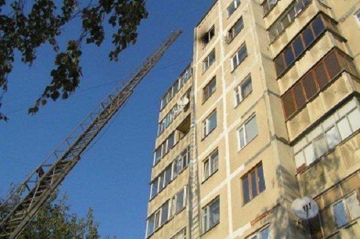 Ответ, как оказалось, очень прост: «Высота механизированной лестницы пожарной машины составляла 28 метров». А если учесть, что высота каждого этажа 2,8-3 метра + высота цоколя, то как раз и получается, что пожарная машина может достать только до 9-го СССР, дома, история