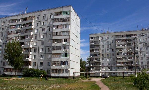 Кроме того, для дома высотой в 9 этажей не требовались системы дымоудаления и дополнительные эвакуационные пути. СССР, дома, история
