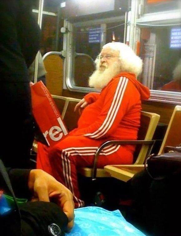 Санта, ты ли это? интересное, интернет, мода, соцсети, фешн, фото, юмор