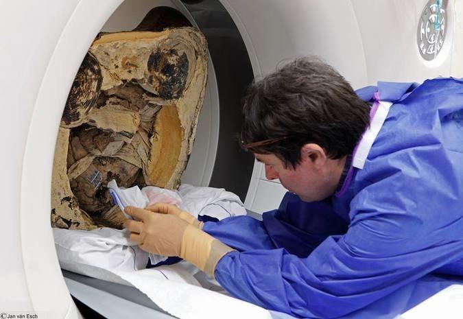 Древняя статуя Будды скрывала страшную тайну интересное, мумии, наука