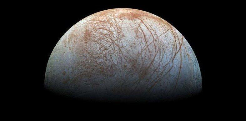 Однако в любом случае «Юнона» будет уничтожена NASA в облаках Юпитера. Причина? Космическое агентство не хочет, чтобы зонд врезался в Европу — ледяной естественный спутник планеты кадр, космос, красота, планета, фото, юнона, юпитер