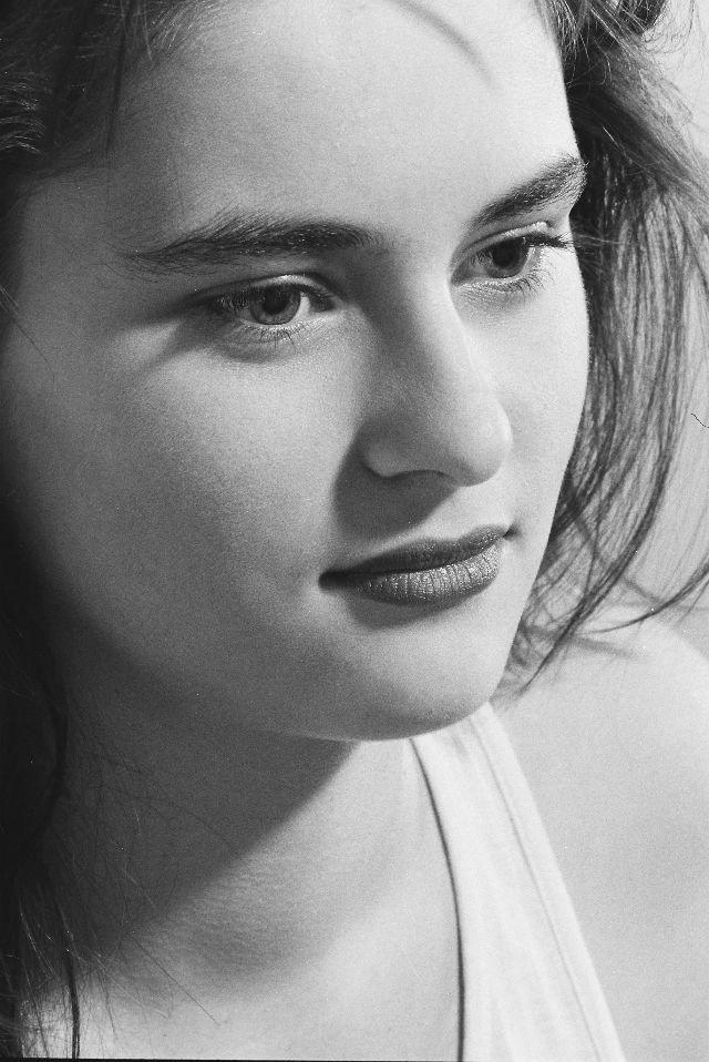 Можете ли вы узнать эту девушку? девушка, знаменитость, изменение, красота, тогда и сейчас