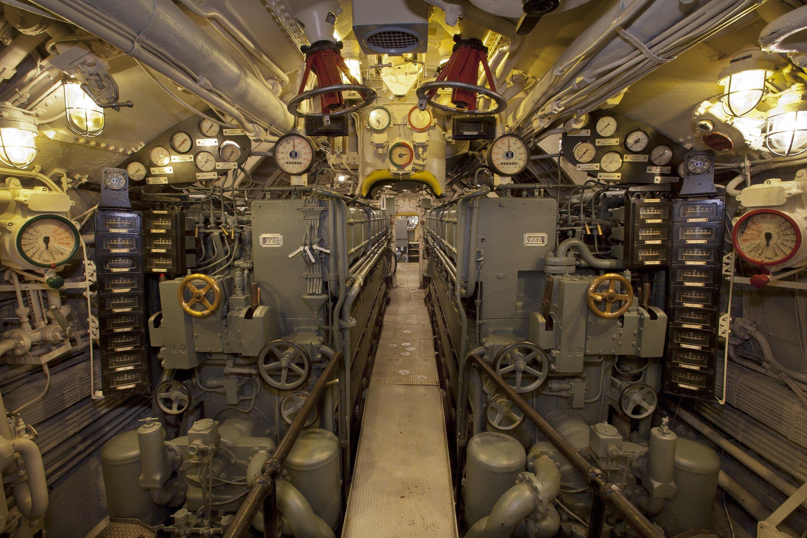 клинкеты на подводной лодке фото самый молодой город