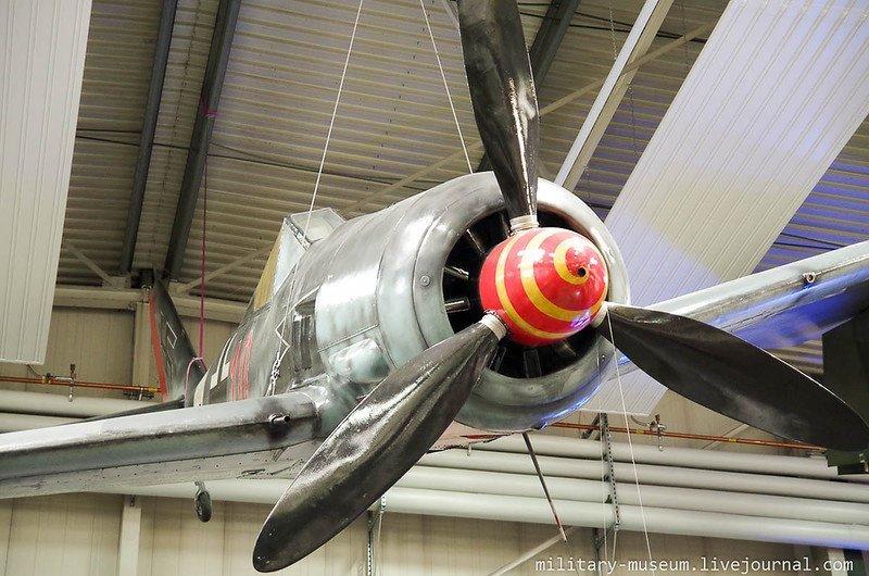Авиация в ангарах в Музее техники в Зинсхайме путешествия, факты, фото