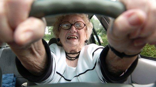 6. Осторожность пожилых водителей водители, германия, пдд, пешеходы