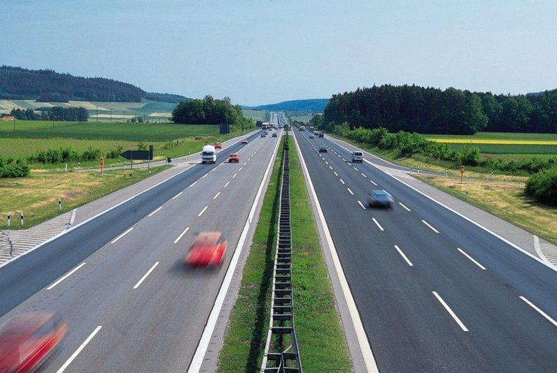 4. Уступаем слева водители, германия, пдд, пешеходы