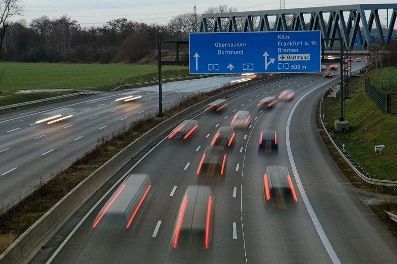 3. «Тормозам» не место на немецких дорогах! водители, германия, пдд, пешеходы