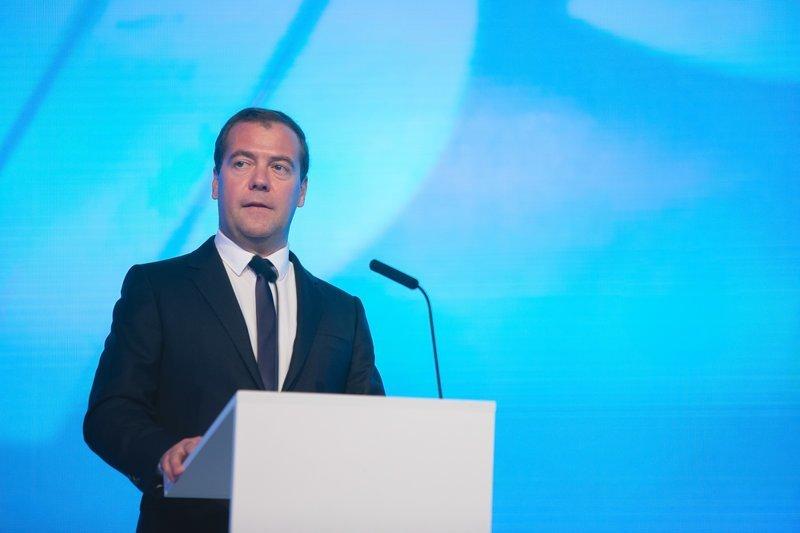 Путин заработал больше, Медведев – меньше: чиновники отчитались в доходах за 2017 год ynews, декларация о доходах, медведев, новости, путин, шойгу