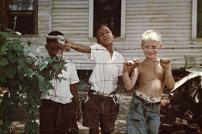 29. Мальчики из Алабамы, 1956 г. 20 век, 20 век в цвете, 50-е, 50-е года, жизнь в Америке, жизнь в сша, старые фотографии, сша