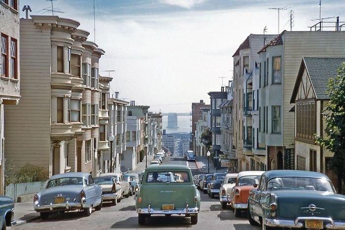 14. Улицы Сан-Франциско, 1957 г. 20 век, 20 век в цвете, 50-е, 50-е года, жизнь в Америке, жизнь в сша, старые фотографии, сша