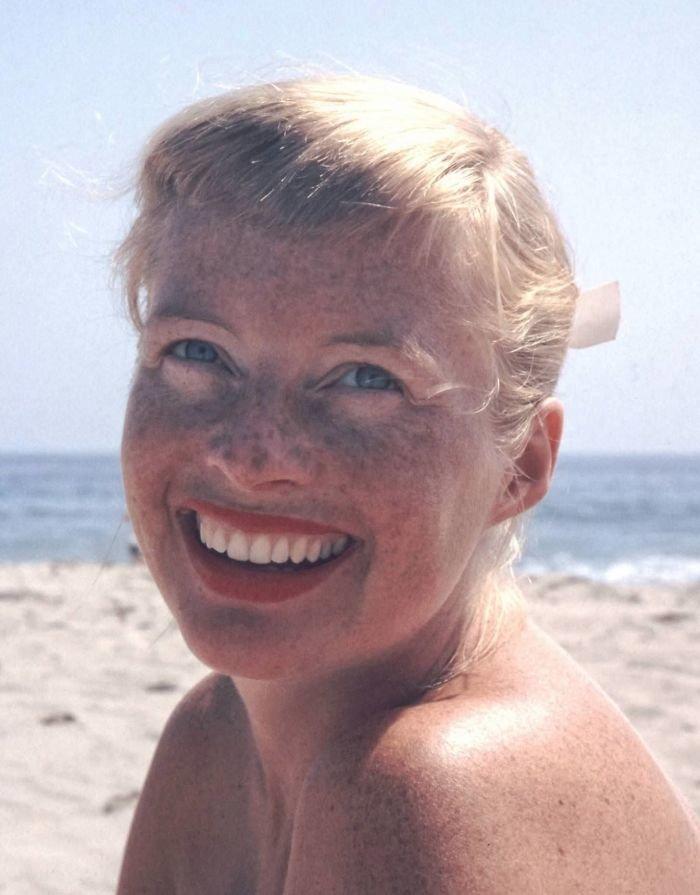 6. Какая чудесная улыбка! 20 век, 20 век в цвете, 50-е, 50-е года, жизнь в Америке, жизнь в сша, старые фотографии, сша