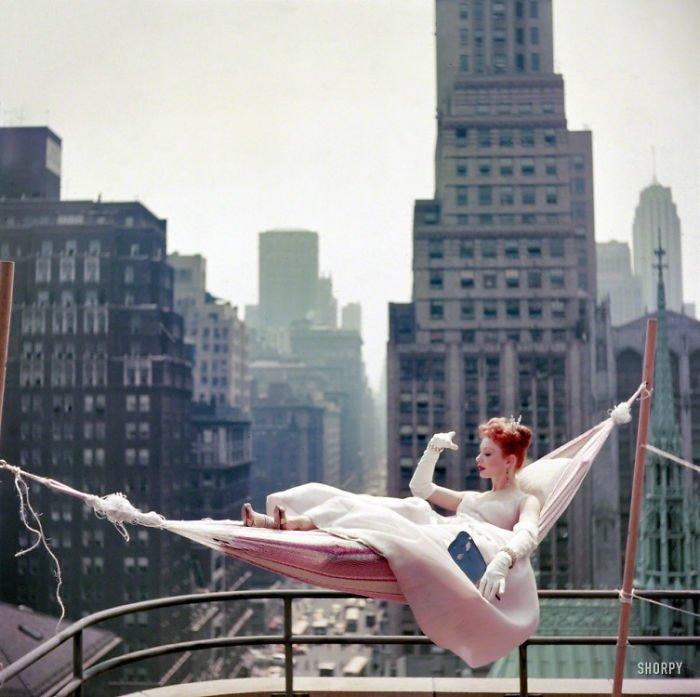 27. Актриса и танцовщица Гвен Верден, Нью-Йорк, 1953 г. 20 век, 20 век в цвете, 50-е, 50-е года, жизнь в Америке, жизнь в сша, старые фотографии, сша