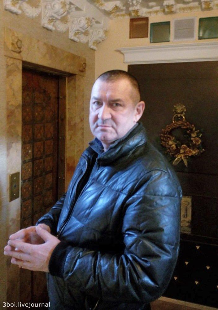 Как идет борьба за барокко в отдельно взятом подъезде Ростова-на-Дону барокко, в мире, красота, люди, подъезд, репортаж, россия