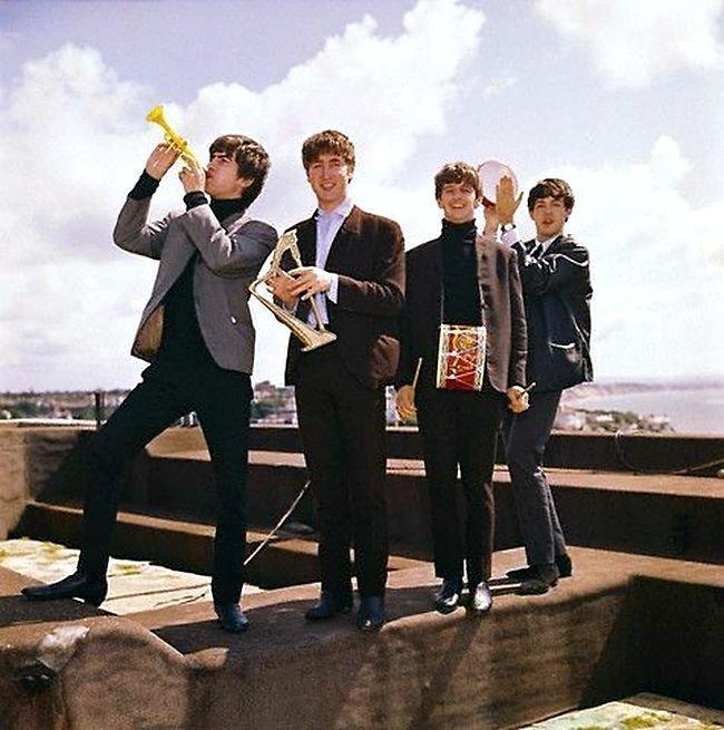 """Пешком по прошлому: две песни """"The Beatles"""" """"The Beatles"""", музыка, ностальгиия"""