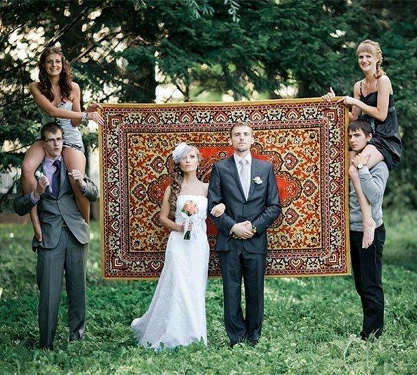 Вот! Вот он — главный атрибут! Ковер! жених, невеста, прикол, россия, свадьба, юмор