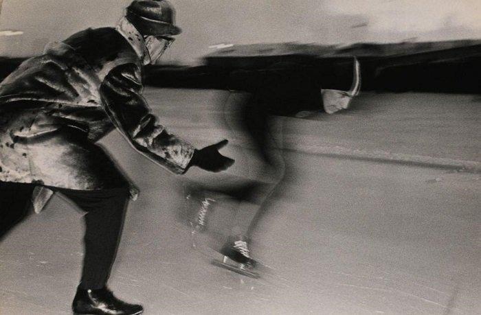 Кадр эстонского фотографа Иси Трапидо «Скорость». Полотно было продано за 2250 фунтов стерлингов кадр, картина, люди, фото, фотограф, художник