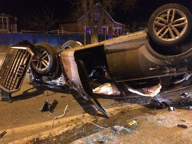 Неадекватный водитель Audi устроил несколько ДТП и покалечил двух человек audi, авария, авто, авто авария, видео, дтп, неадекват, пьяный за рулем