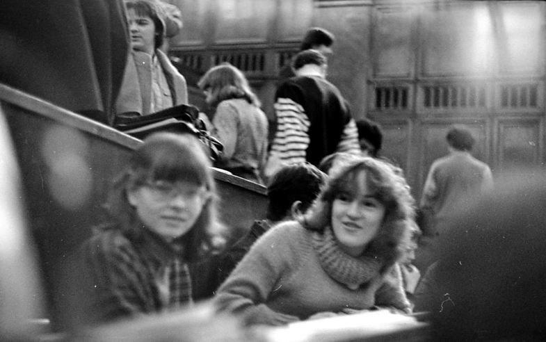 14. Студентки физфака МГУ, 1986 год девушки, интересно, советские студенты, современные студенты, студентки, студенты, тогда и сейчас, фото