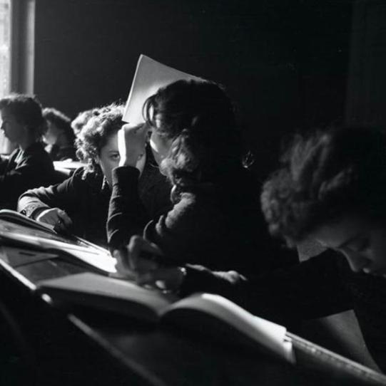 8. Студенты ленинградского института киноинженеров, 1950-е девушки, интересно, советские студенты, современные студенты, студентки, студенты, тогда и сейчас, фото