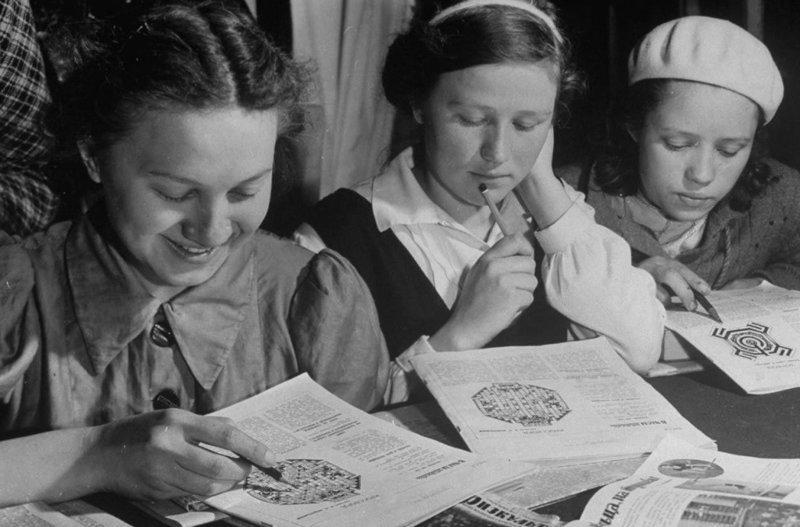 13. Свободное время после занятий девушки, интересно, советские студенты, современные студенты, студентки, студенты, тогда и сейчас, фото