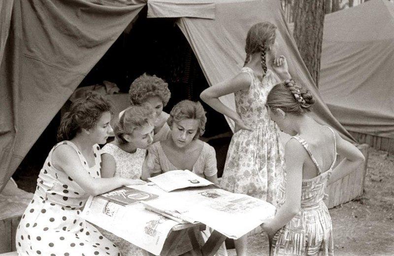 2. Выезд на природу, 1963 год девушки, интересно, советские студенты, современные студенты, студентки, студенты, тогда и сейчас, фото