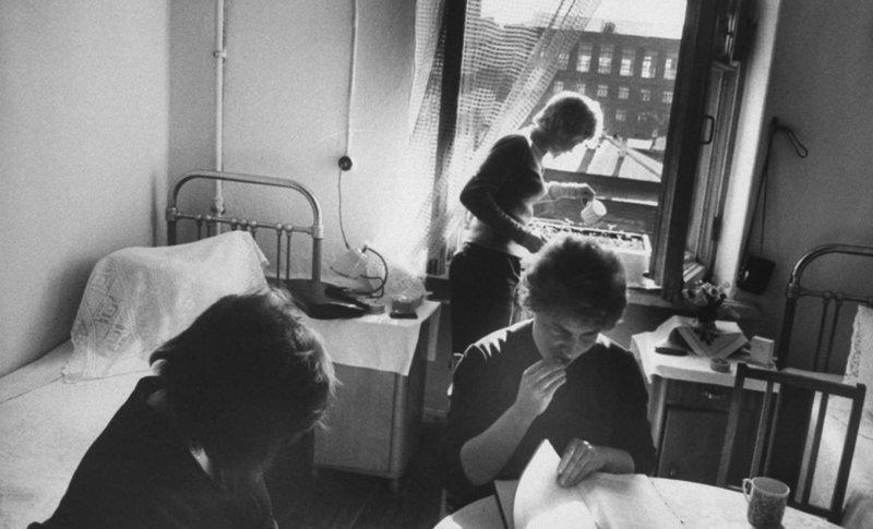 10. Будни в общежитии  девушки, интересно, советские студенты, современные студенты, студентки, студенты, тогда и сейчас, фото