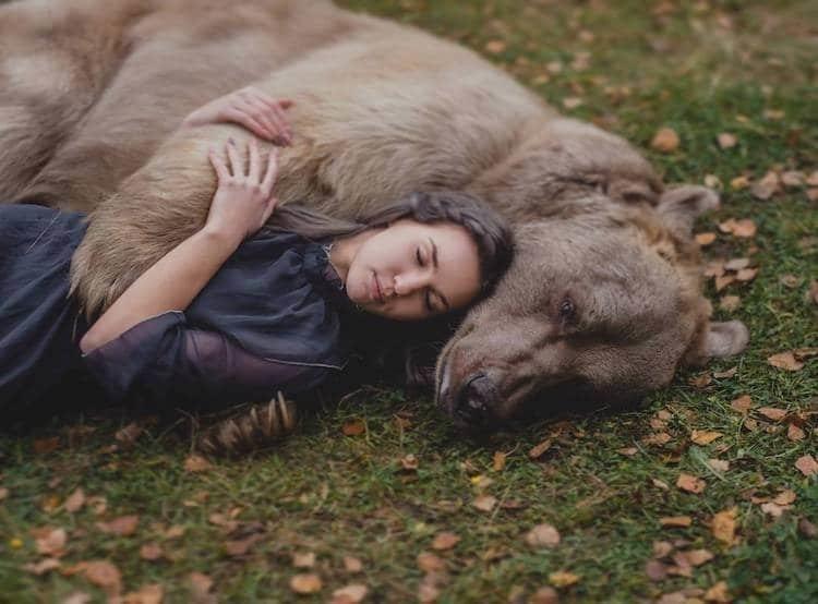 спорта это обнять волка фото артистка россии снялась