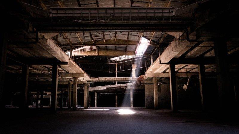 Что остаётся от торговых центров после их закрытия город, заброшенное, магазин, торговый центр, трц, эстетика