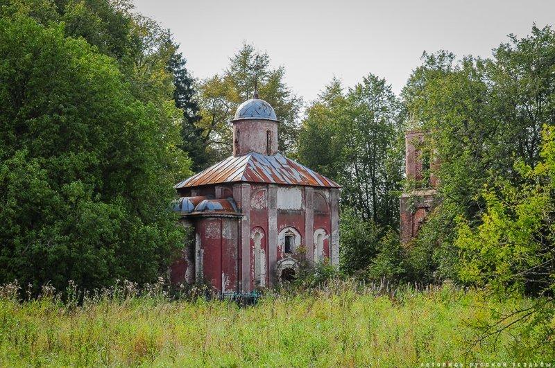 15 самых необычных и красивых усадебных храмов Подмосковья