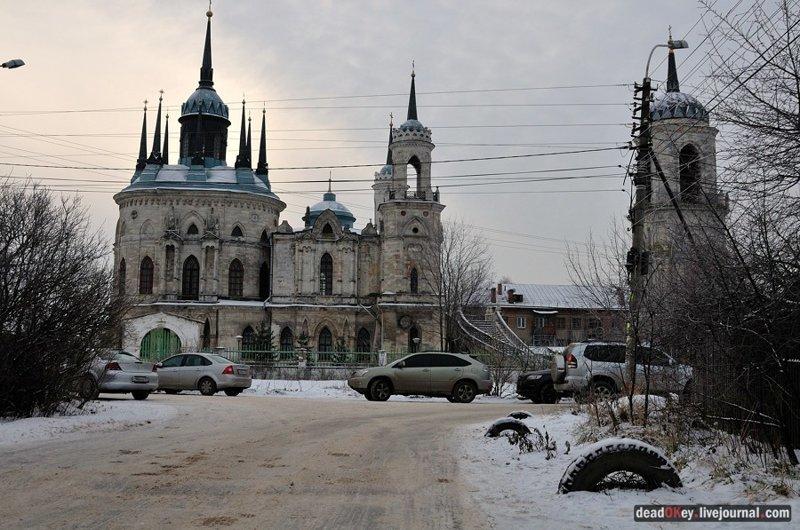 6) Храм Гребневской иконы Божьей Матери в усадьбе Гребнево