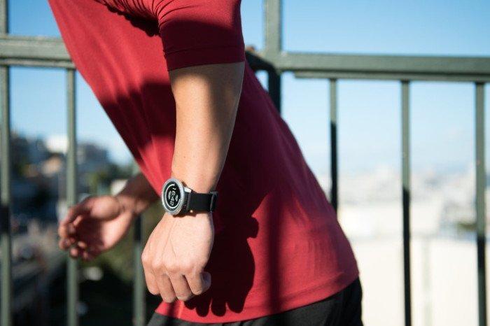 Наручные часы, которые заряжаются от тепла тела дизайн, изобретение, наука