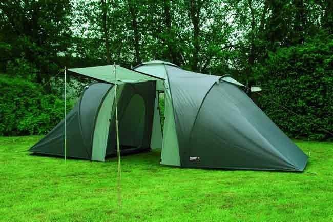 Секс в палатке летом на природе