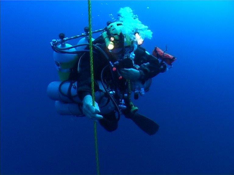 И еще о рекордных погружениях. 318.2 м — Самое глубокое погружение с аквалангом батискаф, впадины, загадки, земля, интересное, океан, факты