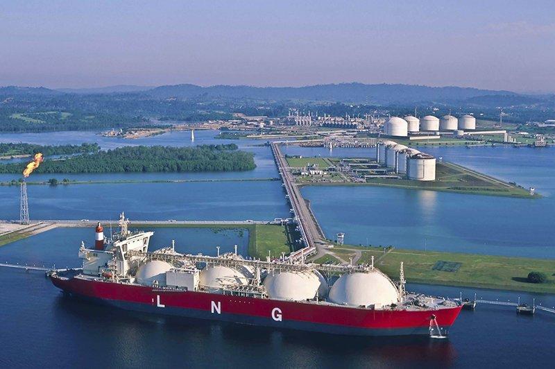 Газовозы: морские перевозки сжиженного природного газа история, техника, факты