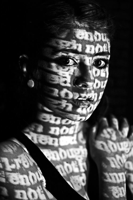 Слова девушки, искусство, красота, тень, фотографии