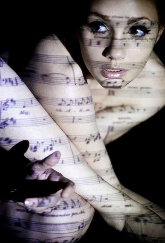 И даже ноты девушки, искусство, красота, тень, фотографии