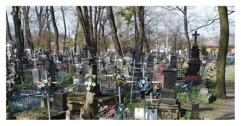 Калужский губернатор предложил запретить оградки на кладбище ynews, Артамонов, запрет на ограды, калуга, кладбища