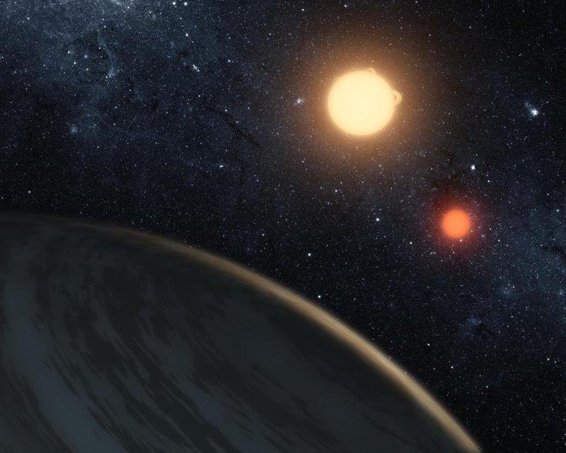 Вращающаяся вокруг двойной звезды планета Кеплер-16б, первая планета про которую мы точно знаем, что она вращается вокруг двойной звезды. Ее поверхность газообразна и явно непригодна для жизни космос, красота, планета, рисунки, художники