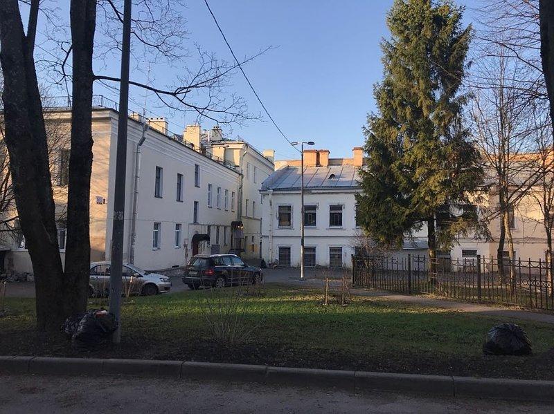 Назад в 90-е: заложник выбросил из окна записку и был спасен ynews, заложники, криминал, происшествия, санкт-петербург