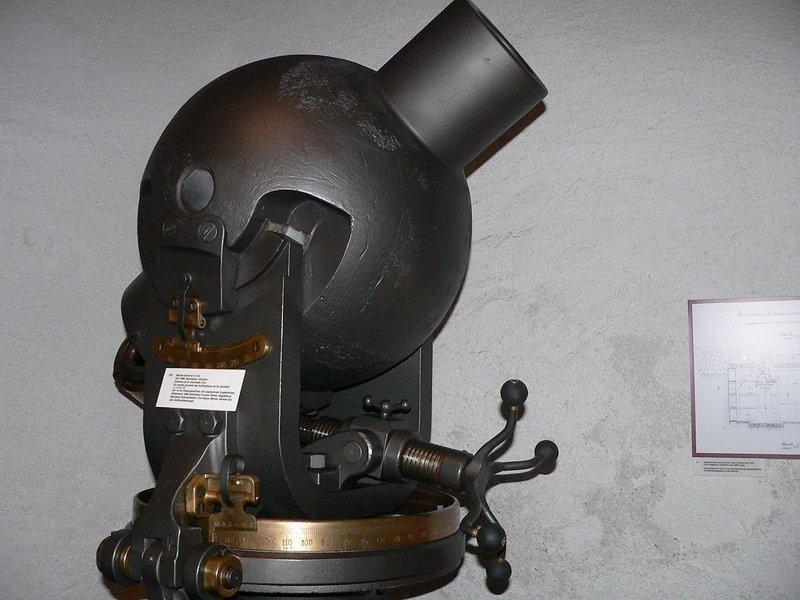 Старинная мортира в артиллерийском музее в Швейцарии артиллерия, военное, интересное, история, необычное, пушки