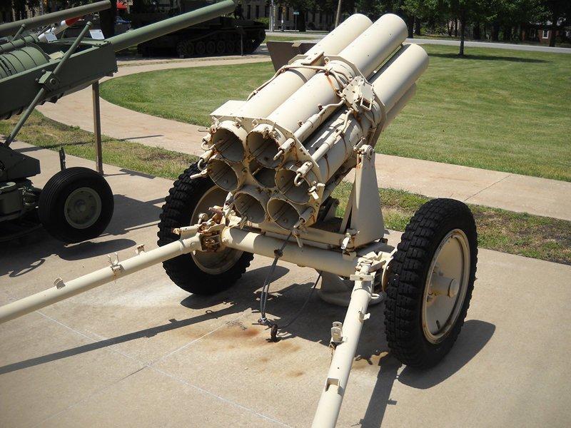 Nebelwerfer (с нем.—«туманомёт») — германская реактивная система залпового огня времён Второй мировой войны. Вместе с советскими «Катюшами» Nebelwerfer-ы были первыми массово использовавшимся реактивными системами залпового огня артиллерия, военное, интересное, история, необычное, пушки