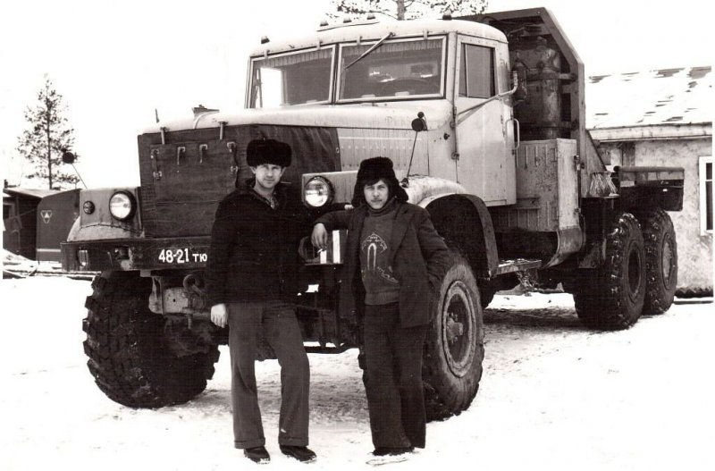 Трудяга КрАЗ из автобазы треста «Уренгойтрубопроводстрой» — 80-е годы. СССР, авто, автомобили, олдтаймер, ретро авто, ретро фото, советские автомобили