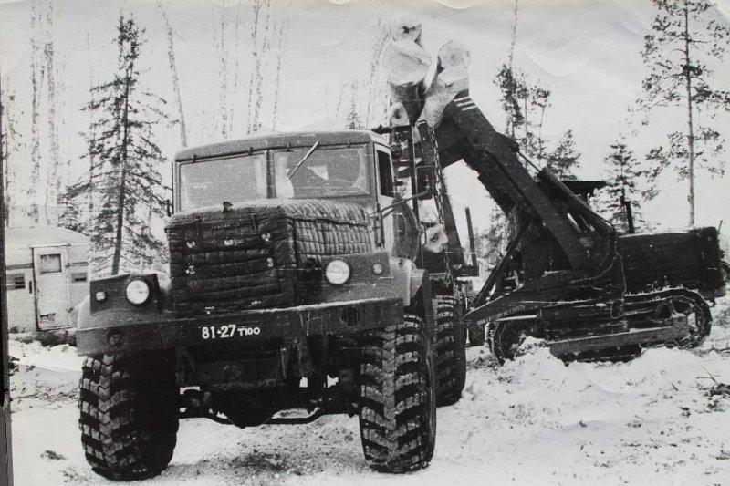 Комсомольский леспромхоз — здесь кременчугский грузовик снова оказался незаменимым. СССР, авто, автомобили, олдтаймер, ретро авто, ретро фото, советские автомобили