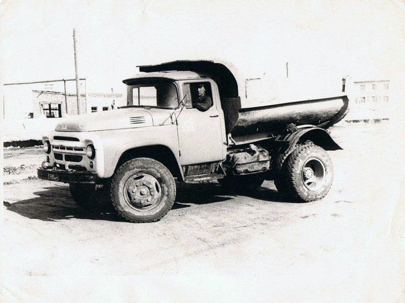 "ЗИЛ ""ММЗуха"" на службе в темиртауском автокомбинате. СССР, авто, автомобили, олдтаймер, ретро авто, ретро фото, советские автомобили"
